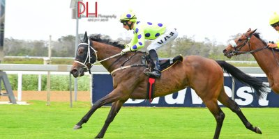 R2 Yvette Bremner Lyle Hewitson Zalika -Fairview 18-January-2019-1-PHP_1215
