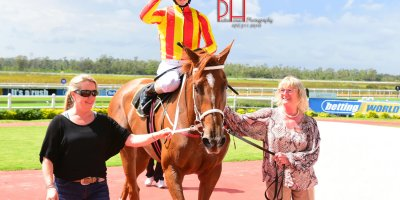 R4 Yvette Bremner Lyle Hewitson Maverick Girl-Fairview 15-March-2019-1-PHP_0990