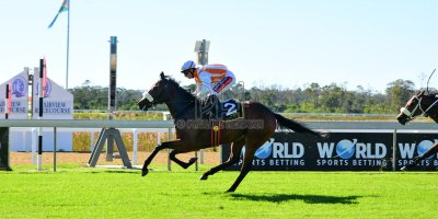 R3 Alan Greeff Greg Cheyne Luna Wish- 11 May 2019-Fairview Racecourse-PHP_9058