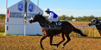 R7 Alan Greeff Teaque Gould Mega Scene- 10 May 2019-Fairview Racecourse-PHP_8647