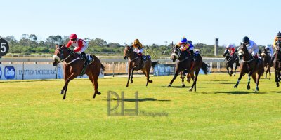 R1 Jacques Strydom Collen Storey Beneficiary- 14 June 2019-Fairview Racecourse-1-PHP_5320