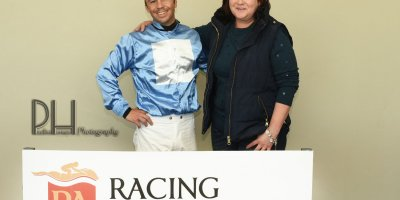 R6 Tara Laing Chase Maujean Fly Thought- 7 June 2019-Fairview Racecourse-1-PHP_5116