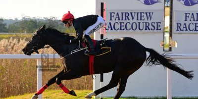 R6 Yvette Bremner Lyle Hewitson Highland Hero- 21 June 2019-Fairview Racecourse-1-PHP_7514