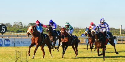 R7 Jacques Strydom Greg Cheyne Onesie PE Gold Cup- 14 June 2019-Fairview Racecourse-1-PHP_5703