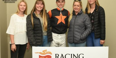 R8 Yvette Bremner Lyle Hewitson Believethisbeauty- 28 June 2019-Fairview Racecourse-1-PHP_8296