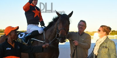 R9 Yvette Bremner Lyle Hewitson Dancing In Seattle- 7 June 2019-Fairview Racecourse-1-PHP_5282