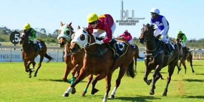 R1 Gavin Smith Kyle Strydom Flame Up-Fairview Racecourse-9 August 20191-PHP_4406