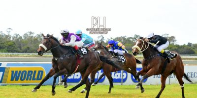 R1 Jacques Strydom D Bogalieboile Humanitarian-Fairview Racecourse-30 August 20191-PHP_6639