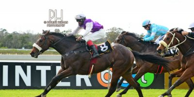 R1 Jacques Strydom D Bogalieboile Humanitarian-Fairview Racecourse-30 August 20191-PHP_6643
