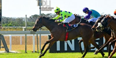 R4 Yvette Bremner Richard Fourie Open Fire-Fairview Racecourse-30 August 20191-PHP_6814