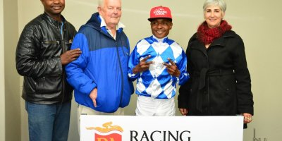 R6 Alan Greeff Charles Ndlovu Stream of Kindness-Fairview Racecourse-16 August 20191-DSC_0442