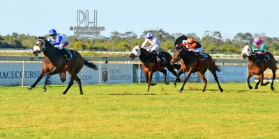 R8 Alan Greeff Greg Cheyne Outlandos D'Amour-Fairview Racecourse-30 August 20191-PHP_7108