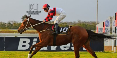 R8 Duncan McKenzie Chase Maujean Bell Tower- 2 August 2019-Fairview Racecourse-1-PHP_3650