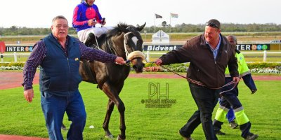 R8 Grant Paddock Chase Maujean Strong n Brave-Fairview Racecourse-20 September 20191-PHP_9719