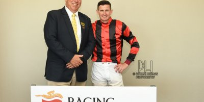 R1 Alan Greeff Bernard Fayd'Herbe Cove Fort-Fairview Racecourse -22 November 2019-1-PHP_0506
