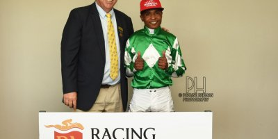 R1 Alan Greeff Charles Ndlovu Step Lively-Fairview Racecourse -15 November 2019-1-PHP_7658