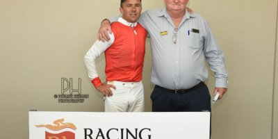 R2 Duncan McKenzie MJ Byleveld Divine Law-Fairview Racecourse -27 December 2019-1-PHP_5514
