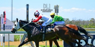 R3 Yvette Bremner Wayne Agrella Undiscovered Gem-Fairview Racecourse -13 December 2019-1-PHP_2514