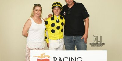 R6 Yvette Bremner Collen Storey Glory Days ALOE HANDICAP-Fairview Racecourse-17 JAN 2020-1-PHP_9589
