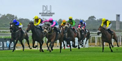 R8 Gavin Smith Julius Mphanya Mattina-Fairview Racecourse-3 JAN 2020-1-PHP_8549