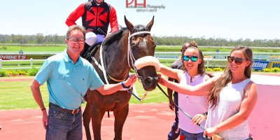 R1 Tara Laing Chase Maujean Larry Jack-Fairview 11-January-2019-1-PHP_9949
