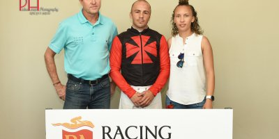 R1 Tara Laing Chase Maujean Larry Jack-Fairview 11-January-2019-1-PHP_9954