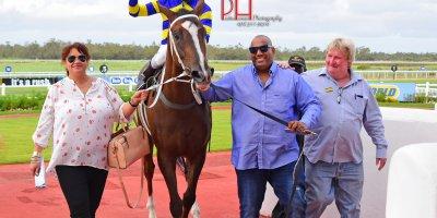 R8 Duncan McKenzie Karl Zechner Horse Haizi-Fairview 23-January-2019-1-PHP_3377