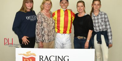 R4 Yvette Bremner Lyle Hewitson Maverick Girl-Fairview 15-March-2019-1-PHP_1027