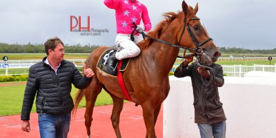 R7 Candice Bass-Robinson Lyle Hewitson Star Fighter - Breeders Guineas-Fairview 8-March-2019-1-PHP_0451