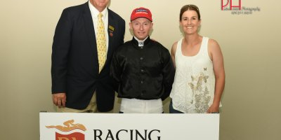 R8 Alan Greeff Greg Cheyne In A Perfect World-Fairview 19-April-2019-1-PHP_5752