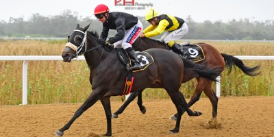 R8 Alan Greeff Greg Cheyne Maple Syrup-Fairview 12-April-2019-1-PHP_4573