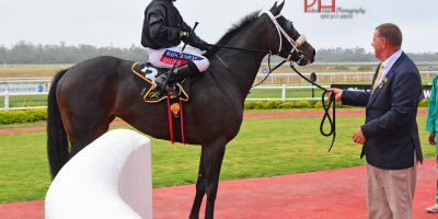 R8 Alan Greeff Greg Cheyne Maple Syrup-Fairview 12-April-2019-1-PHP_4593