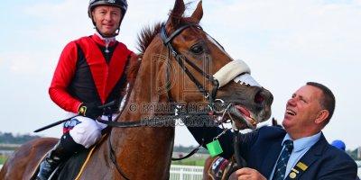 R5 Alan Greeff Greg Cheyne Vivir- 31 May 2019-Fairview Racecourse-PHP_1228