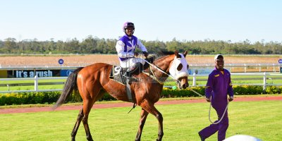 R5 DH Tara Laing Chase Maujean Captain Marooned - Gavin Smith Julius Mphanya Royal Fort- 24 May 2019-Fairview Racecourse-PHP_0670