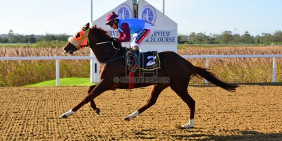 R5 Jacques Strydom Greg Cheyne Onesie- 17 May 2019-Fairview Racecourse-PHP_0129