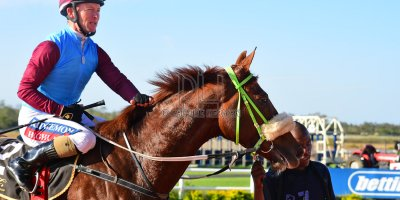 R5 Jacques Strydom Greg Cheyne Onesie- 17 May 2019-Fairview Racecourse-PHP_0140