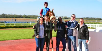 R5 Jacques Strydom Greg Cheyne Onesie- 17 May 2019-Fairview Racecourse-PHP_0144