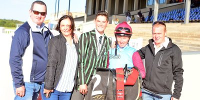 R5 Jacques Strydom Greg Cheyne Onesie- 17 May 2019-Fairview Racecourse-PHP_0168