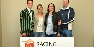 R5 Jacques Strydom Greg Cheyne Onesie- 17 May 2019-Fairview Racecourse-PHP_0172