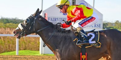 R6 Alan Greeff Greg Cheyne Epic Storm- 17 May 2019-Fairview Racecourse-1--PHP_0227