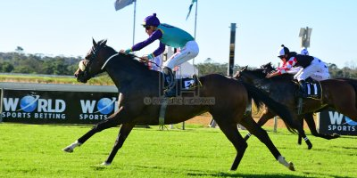 R6 Andre Nel Bernard Fayd'Herbe Percival- 11 May 2019-Fairview Racecourse-PHP_9287