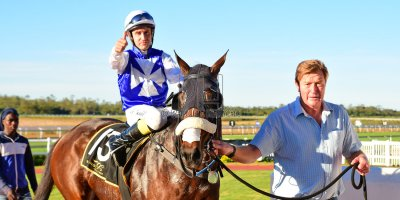 R7 Alan Greeff Teaque Gould Mega Scene- 10 May 2019-Fairview Racecourse-PHP_8667