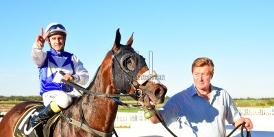 R7 Alan Greeff Teaque Gould Mega Scene- 10 May 2019-Fairview Racecourse-PHP_8669