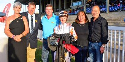 R8 Alan Greeff Greg Cheyne Delia's Delight- 11 May 2019-Fairview Racecourse-PHP_9612
