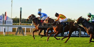 R9 Tara Laing Richard Fourie Fly Thought- 11 May 2019-Fairview Racecourse-PHP_9631