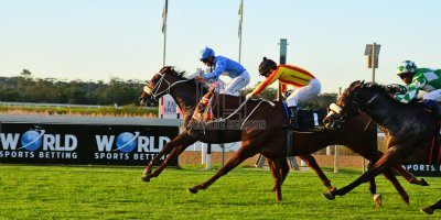 R9 Tara Laing Richard Fourie Fly Thought- 11 May 2019-Fairview Racecourse-PHP_9632
