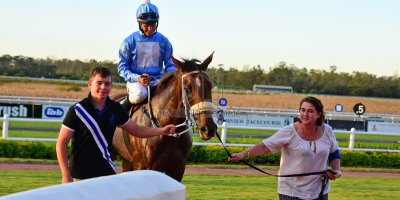 R9 Tara Laing Richard Fourie Fly Thought- 11 May 2019-Fairview Racecourse-PHP_9665