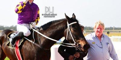 R3 Duncan McKenzie Lyle Hewitson Neverletugo- 21 June 2019-Fairview Racecourse-1-PHP_7341