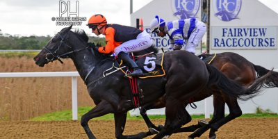 R3 Yvette Bremner Lyle Hewitson Elusive Fountain- 12 July 2019-Fairview Racecourse-1-PHP_9811