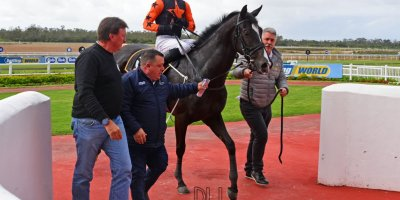 R3 Yvette Bremner Lyle Hewitson Elusive Fountain- 12 July 2019-Fairview Racecourse-1-PHP_9820